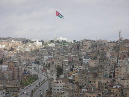 425px-World's_biggest_flagpolejordanamman